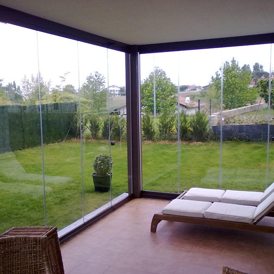 Casa de campo con vidrio