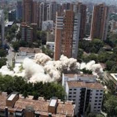 Demolición con explosivos
