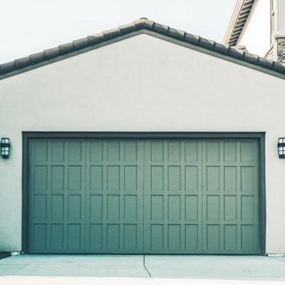 ¿De qué color conviene pintar el garaje?