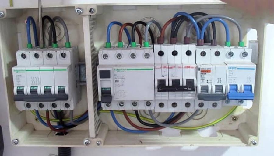 Instalación eléctrica trifásica