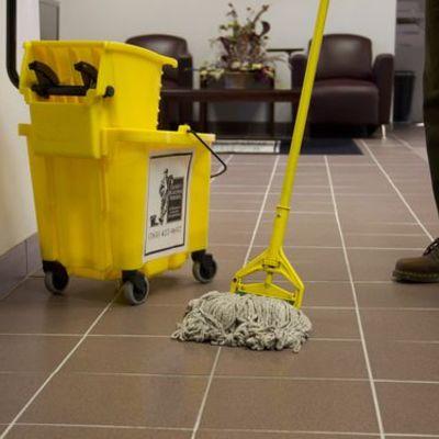 Limpieza periódica de oficinas