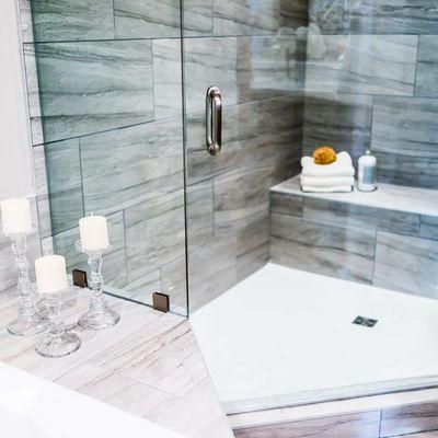 Mamparas de vidrio en duchas y baños