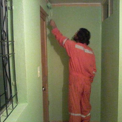 Pintar techo cocina proteger pisos y mobiliario