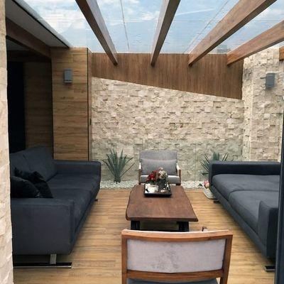 Domo de cristal templado en una terraza