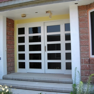 Puertas de aluminio consejos de instalaci n y precios for Puertas de calle aluminio precios