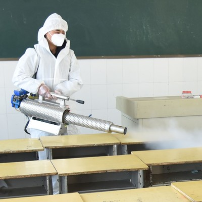 Sanitizar escuelas