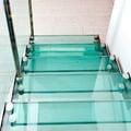 Diseño y fabricación de escaleras de cristal