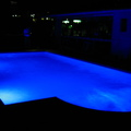 LUCES LED DE COLORES EN PISCINA