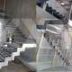 escaleras elegantes en acero inoxidable