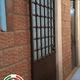 Instalación de puerta de herrería.