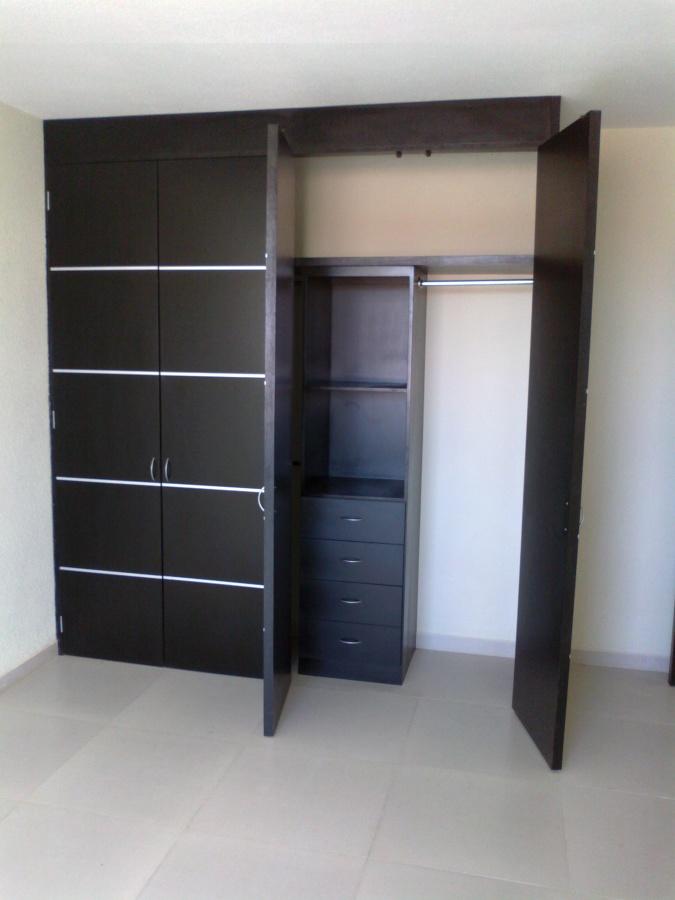 Foto closet con tiras de aluminio de acabados for California closets mexico