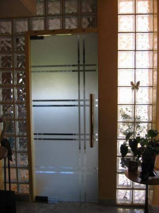 Foto puerta de cristal templado de vicoba 113413 for Puerta cristal templado