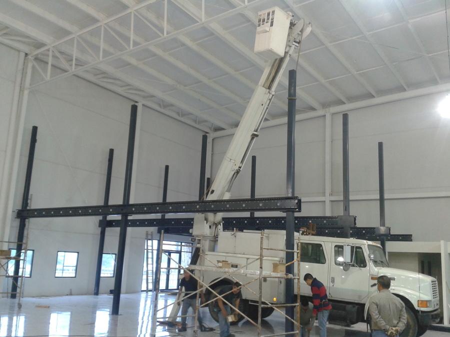 Foto construccion de naves y oficinas de potencia for Construccion de oficinas
