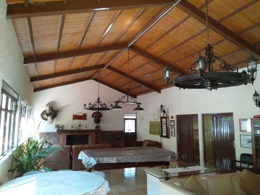 Elaboracion de techo en cabaña