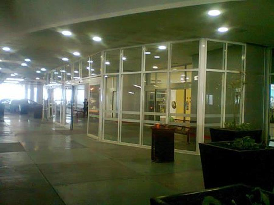 Acceso a Galerias Plaza Cumbres.