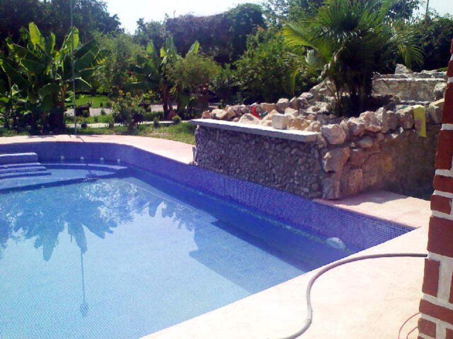 Foto alberca residencial con cascada de ing aquatica for Alberca residencial