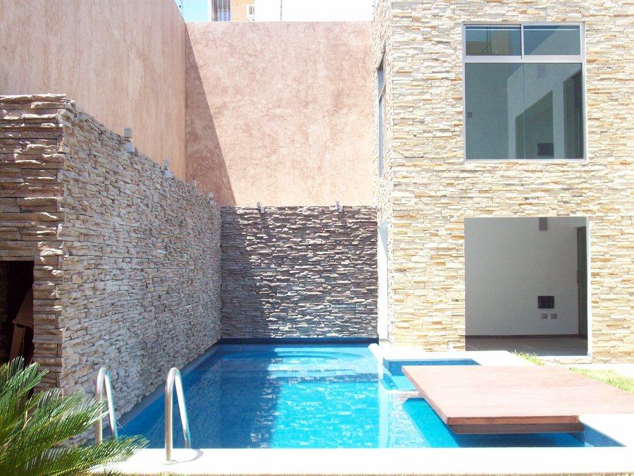 Foto alberca de distribuidora de marmol y onix del for Diseno de albercas minimalistas