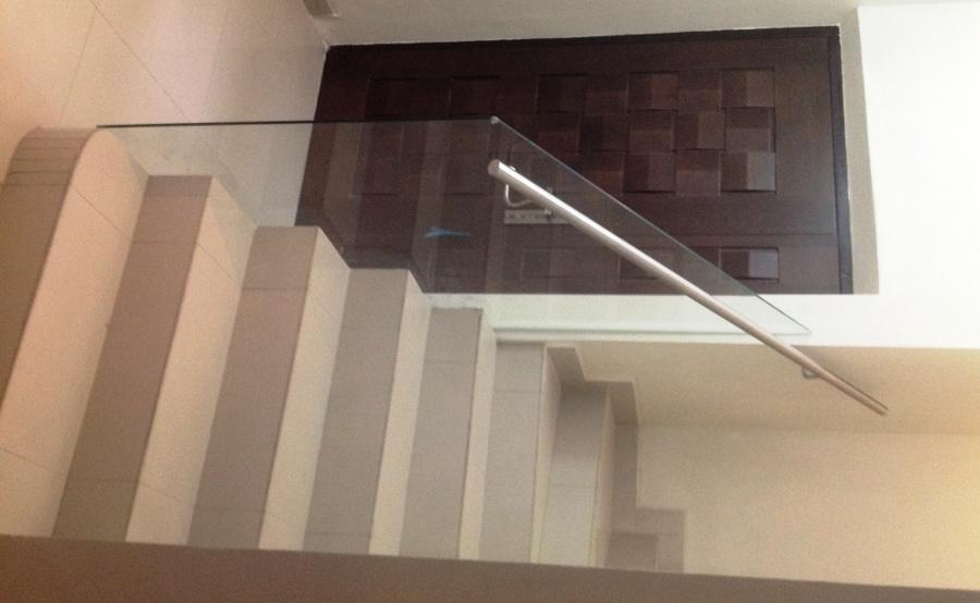 Foto barandal de cristal templado con pasamanos de acixs - Pasamanos de cristal ...