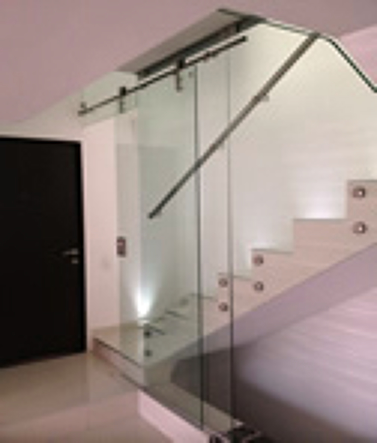 barandales y escaleras de cristal templado y acero inoxidable