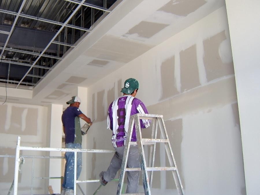 Foto canacintra tablaroca plafones y muros durock for Plafones de pared para escaleras