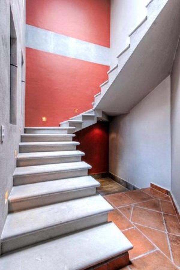 casa paraiso escaleras.jpg