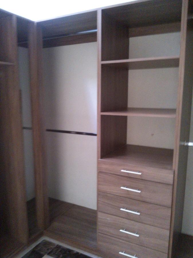 Foto closet para casa dise o por nosotros de dise a y for Disenos de closet