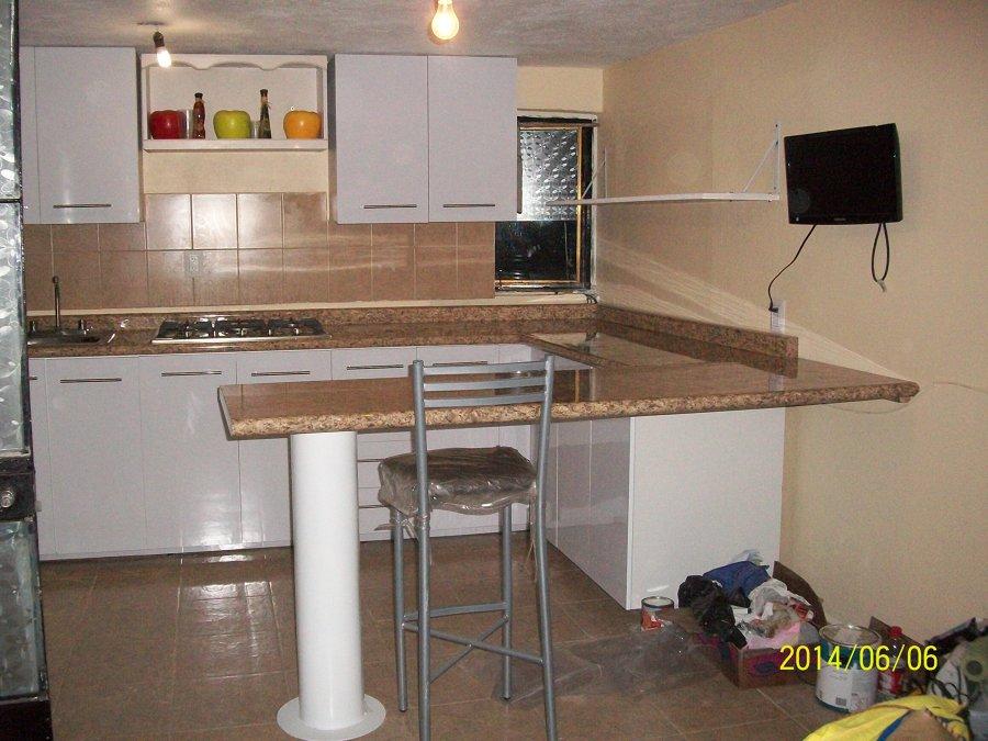Foto cocina blanca de dise o y mantenimiento olvera for Cocina industrial blanca