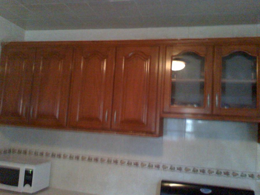 Foto cocina integral de puertas y closet el roble 68220 for Puertas cocina integral