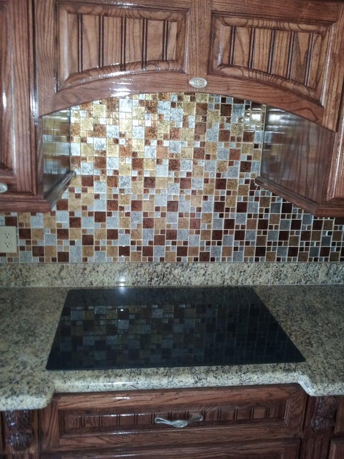 Foto cocinas con cenefa de vidrio de instalaciones for Cenefas para cocina