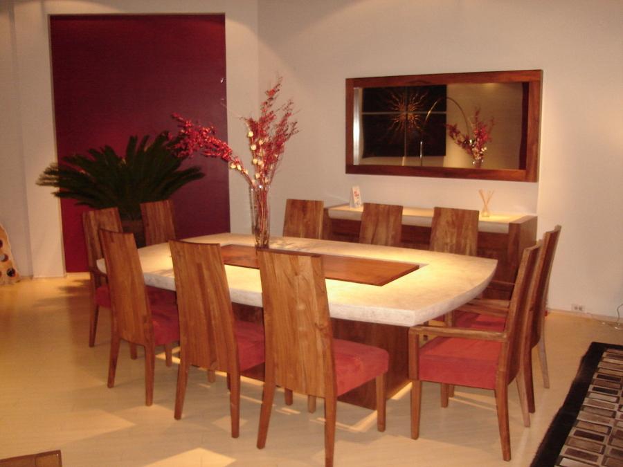 Foto comedor en tzalam y m rmol de trenddesign muebles for Comedores redondos clasicos