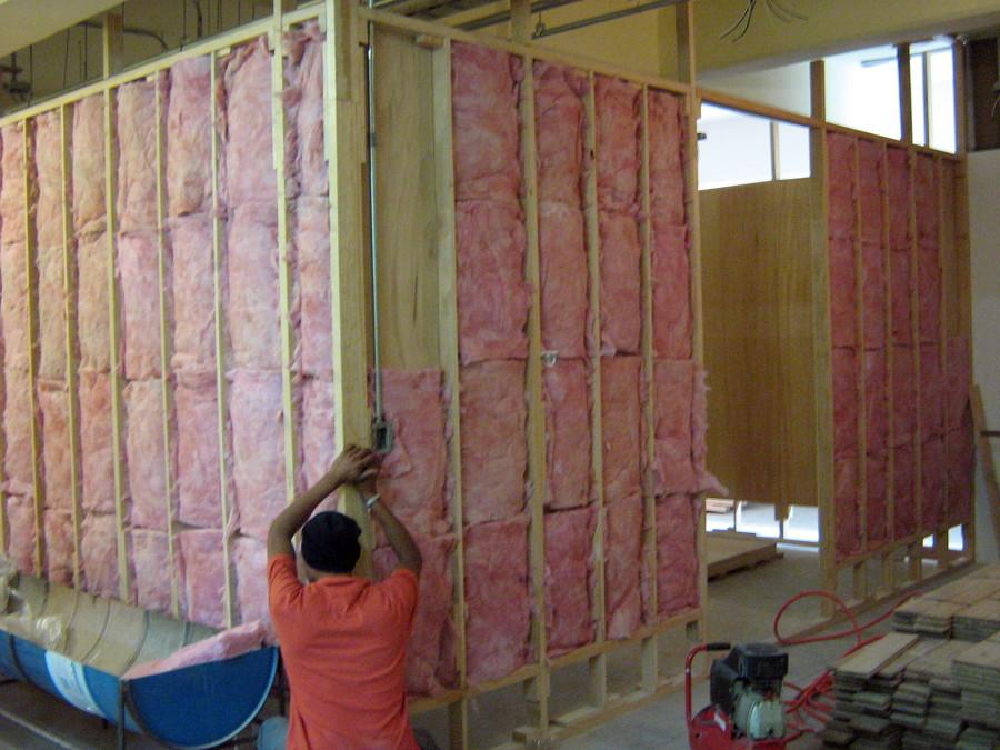 Foto construcci n de muros ac sticos de madera - Muro de madera ...