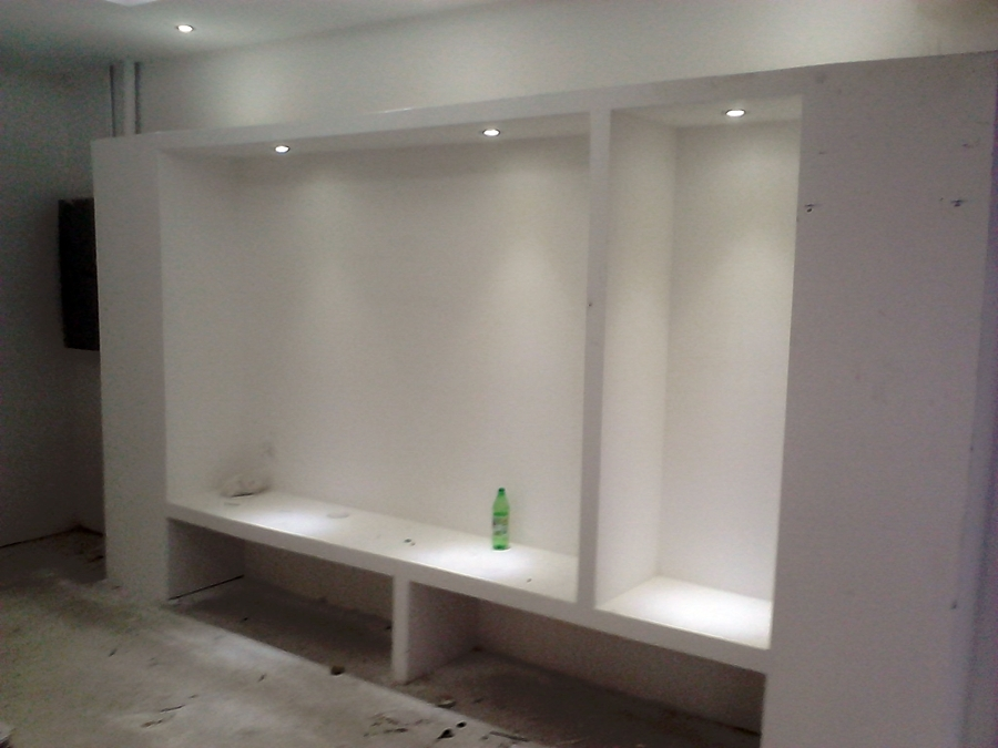 Foto construcci n en tabla roca de tienda de ropa en for Closet de tablaroca modernos