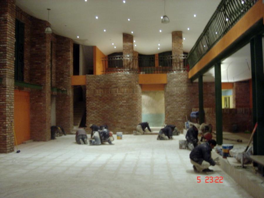 Foto construccion salon para eventos de gugarso - Salones con columnas ...