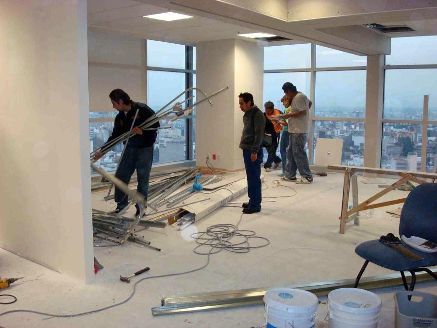 Foto desmantelamiento de oficinas de nuevos proyectos for Oficina de proyectos de construccion