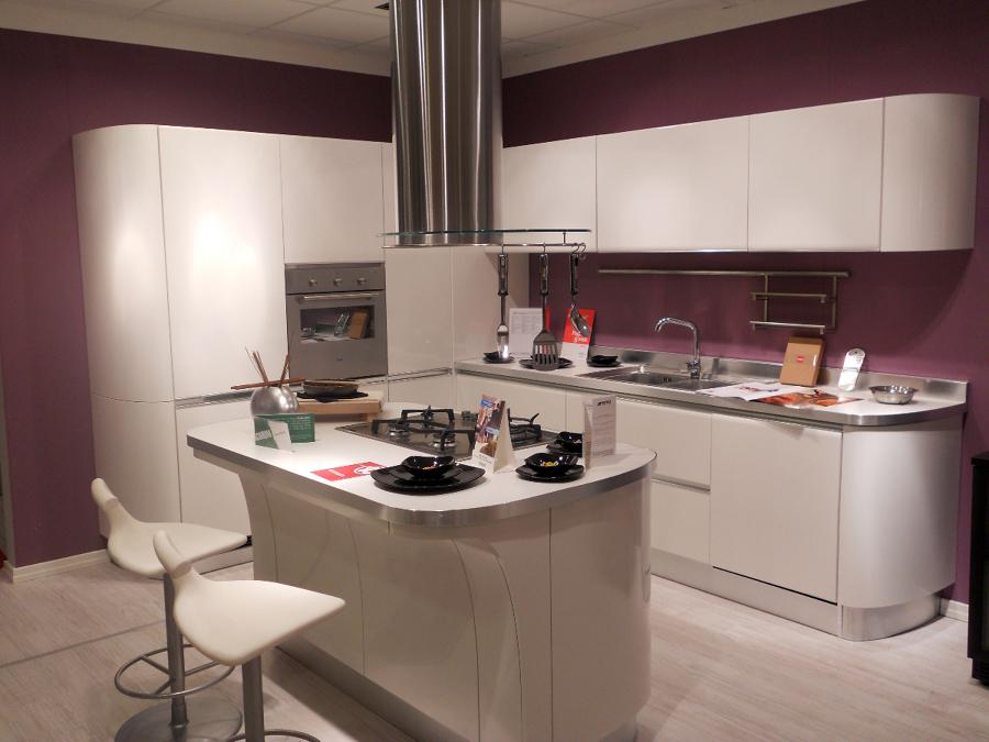 Foto dise o y construcci n de cocina integral de for Mostrar cocinas modernas