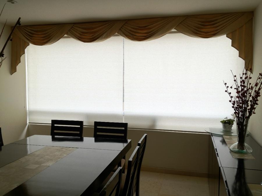 Foto draperia clasica de tela con persianas enrollables - Persianas de tela enrollables ...
