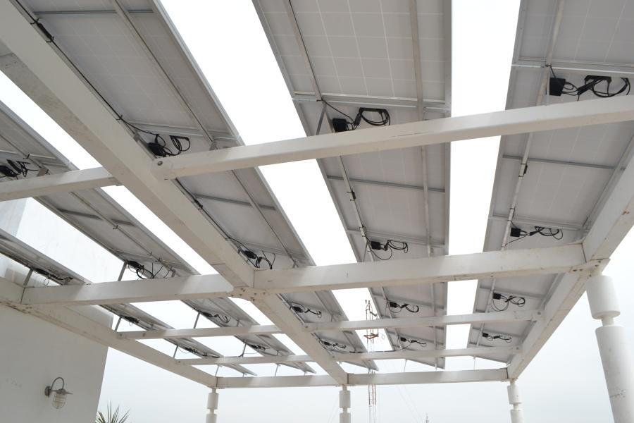 Detalle de instalación de sistema fotovoltaico