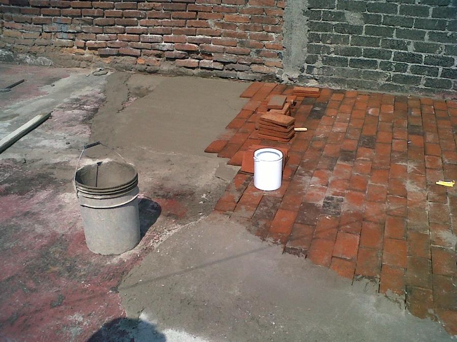 Foto enladrillado azotea de servicios de alba ileria - Losas de piso exterior ...