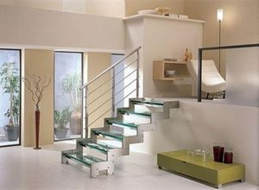 escalera de cristal y aluminio