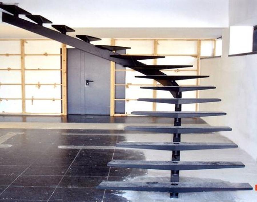 Foto Escalera Minimalista De Ingenieria Construccion Y