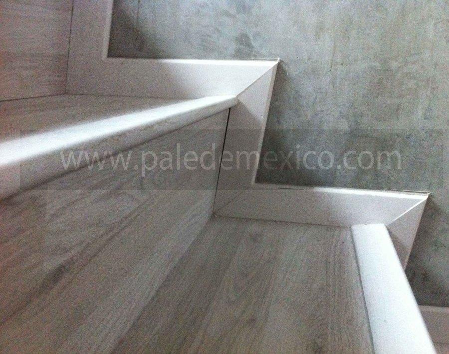 Foto Escaleras Con Piso Laminado De Pal De M Xico 74120