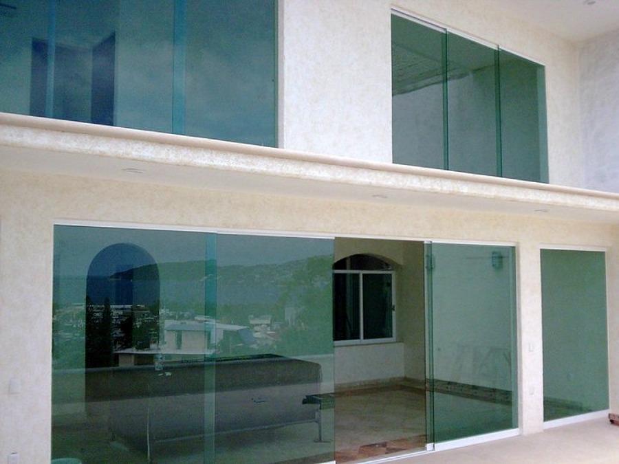 Foto fachada integral de aluminio y vidrios 18903 for Fachada aluminio