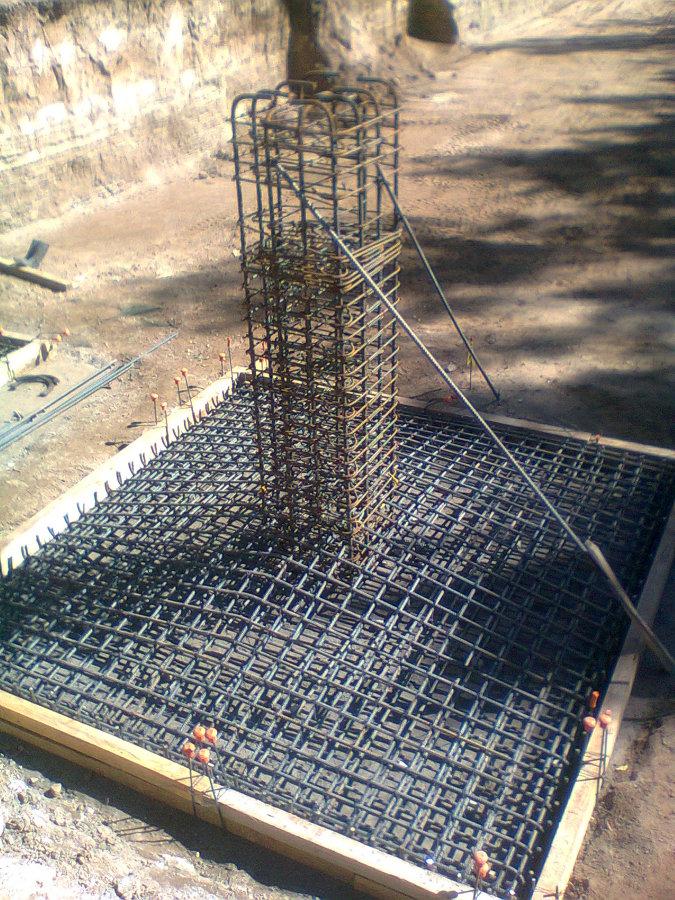 Supervisión de habilitado de acero y colado de concreto para zapatas.