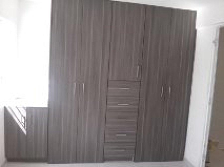 Foto closet con zapatera linosa ceniza de soluciones fit for Closet con zapatera