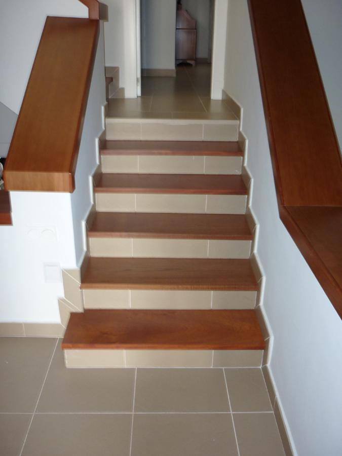 foto huella de escalera de payless 67174 habitissimo