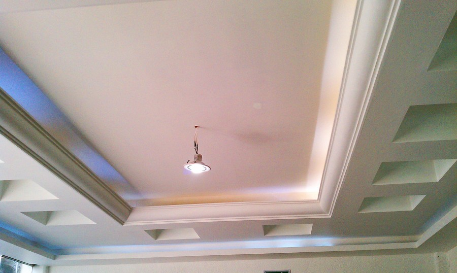 Foto luz indirecta y moldura de telles y asociados - Cornisas para luz indirecta ...
