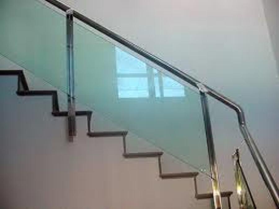 Foto Barandal Para Escalera De Vidrio Templado Y Postes
