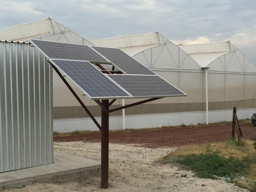 Generación electrica con panel solar para invernaderos.