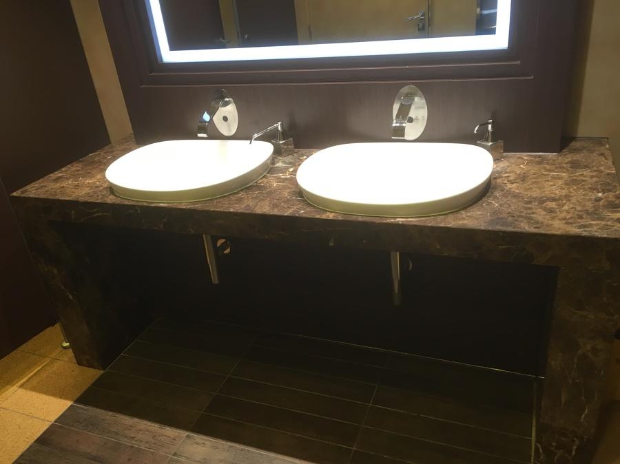 baño clientes hombres