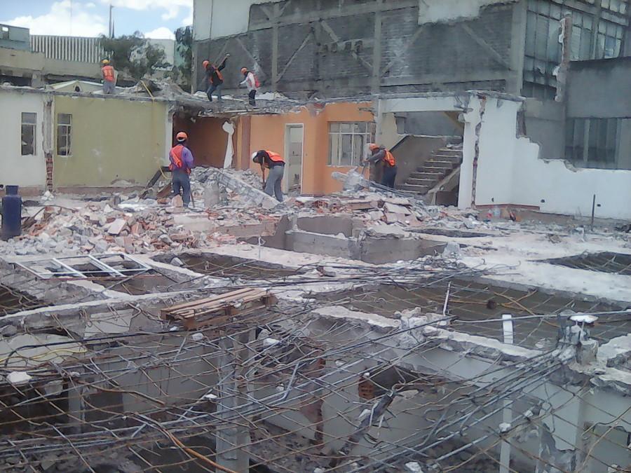 demolición con gente